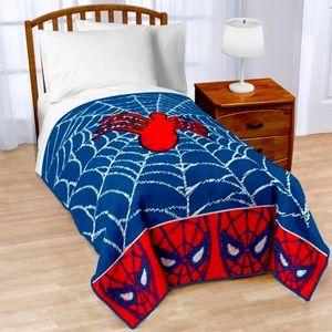 """NWOT Marvel Spider-Man Red and Blue Fleece Blanket 46""""x60"""""""